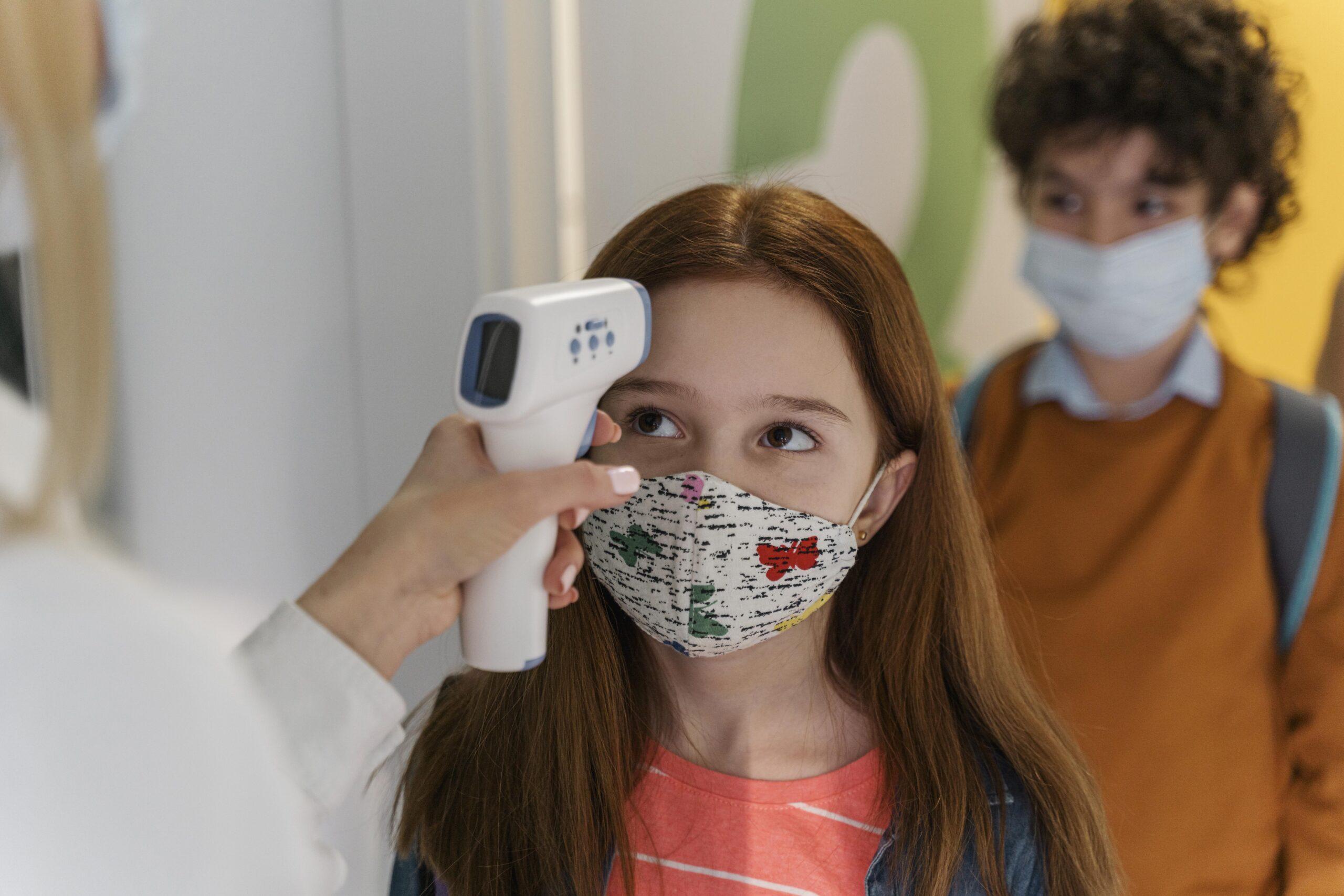 Необходимо ли е да ваксинираме децата срещу Ковид?